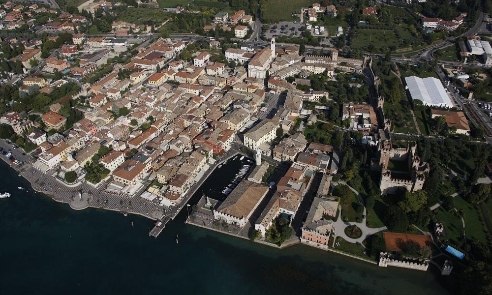 Lazise. Storia e architettura si incontrano sulle rive del Lago di Garda