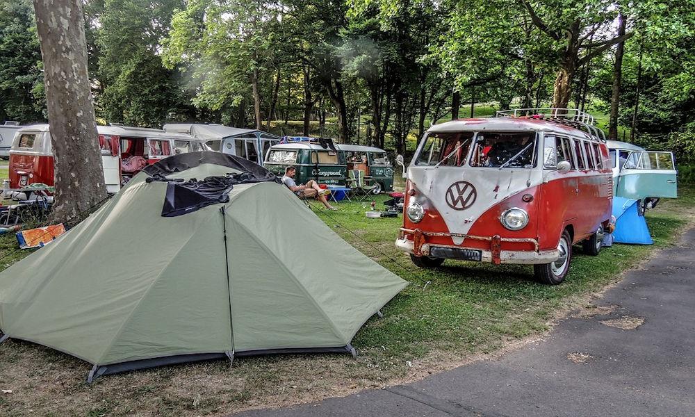 E' meglio il camper, la caravan o la tenda?