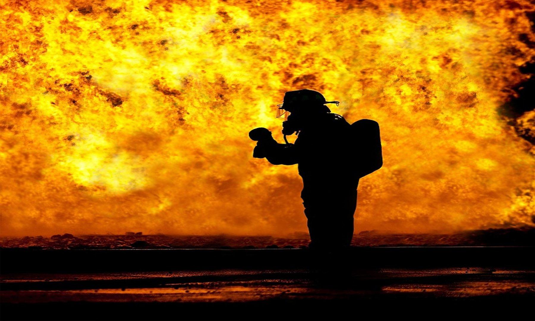 Camper incendiati nel torinese
