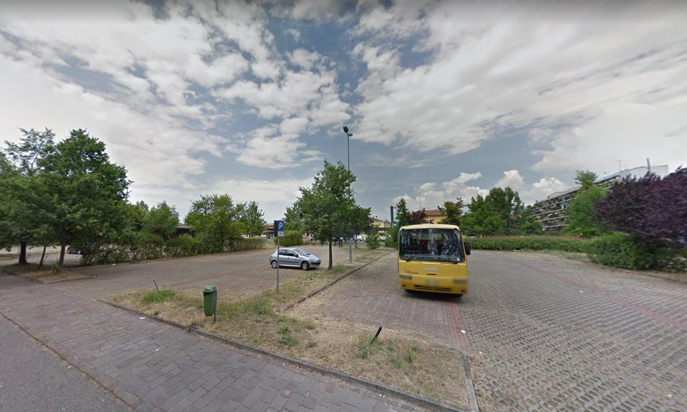 Sporcizia al parcheggio di Parco Ferrari a Modena: turisti camperisti maleducati?