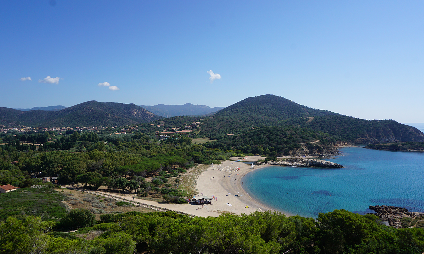 Campeggio Torre Chia: incontro di mare, storia e natura nella Sardegna del Sud