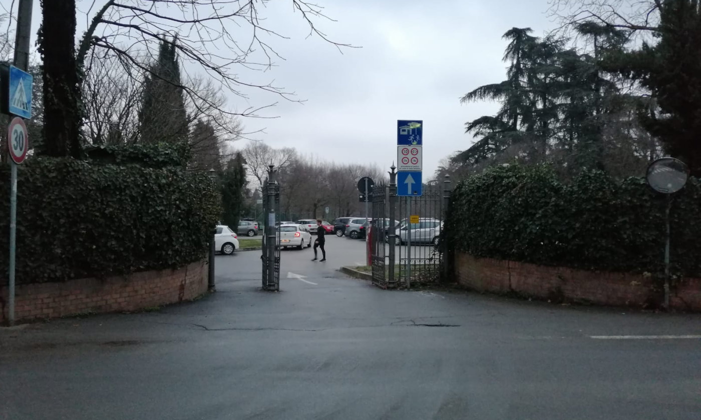 Comportamenti scorretti in camper - Bologna divieto camper giardini margherita