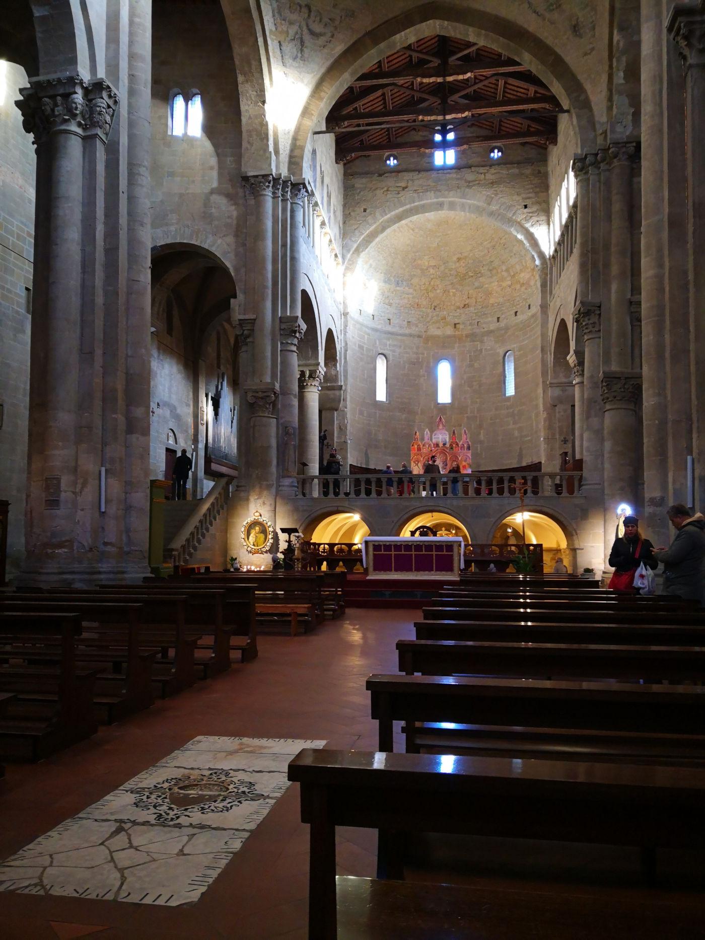 Arezzo e provincia viaggio itinerante in auto camper o roulotte - Pieve di Santa Maria Navata