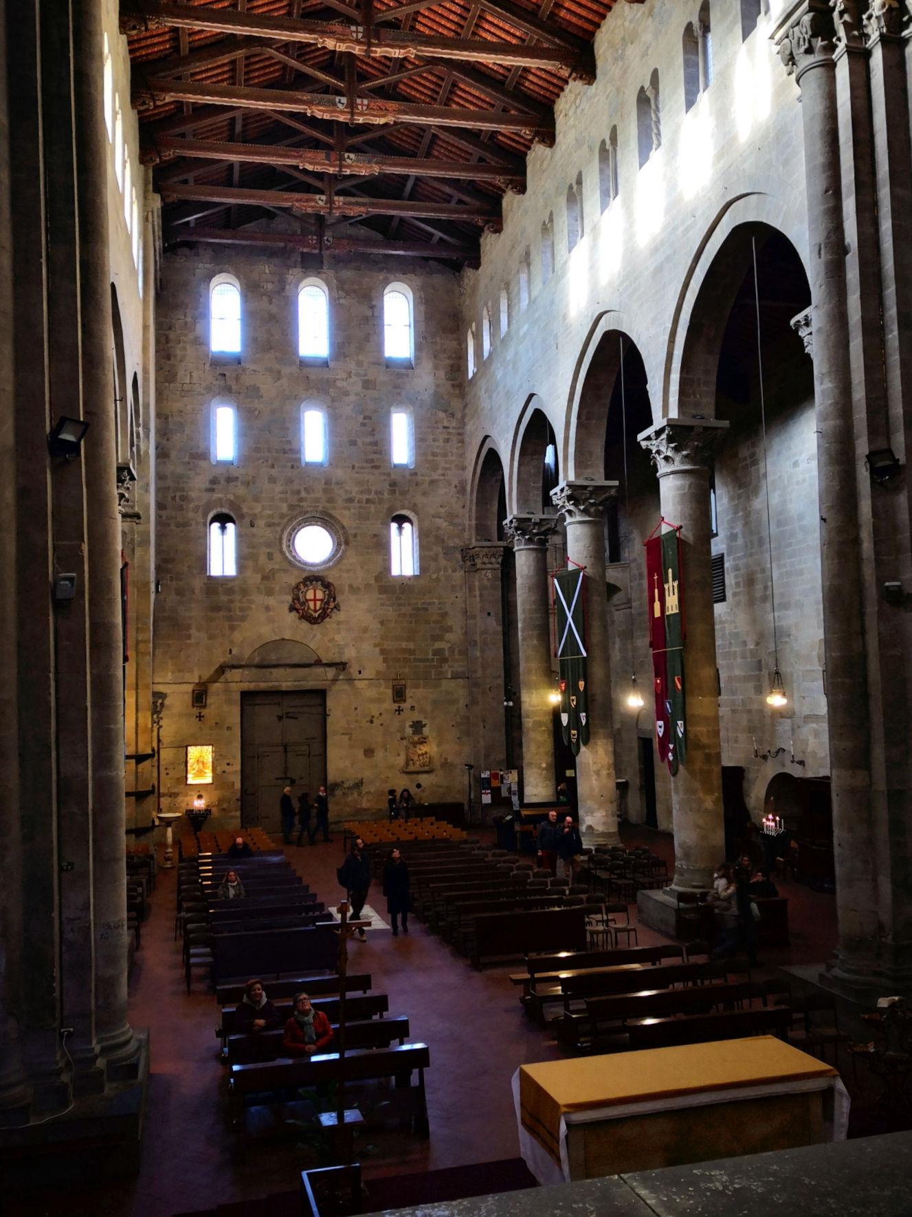 Arezzo e provincia viaggio itinerante in auto camper o roulotte - Pieve di Santa Maria