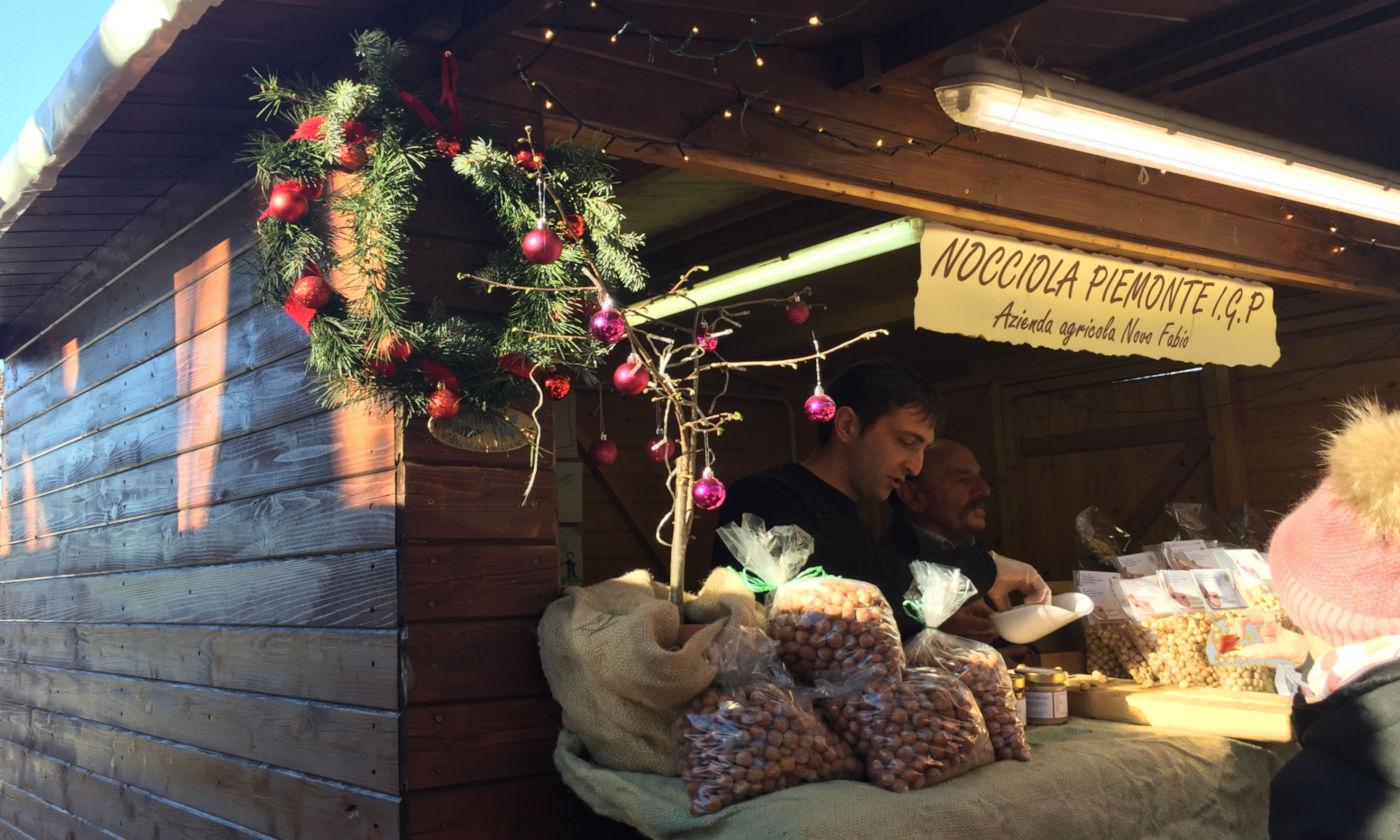 Govone e i mercatini di Natale in camper - Govone mercatino prodotti igp