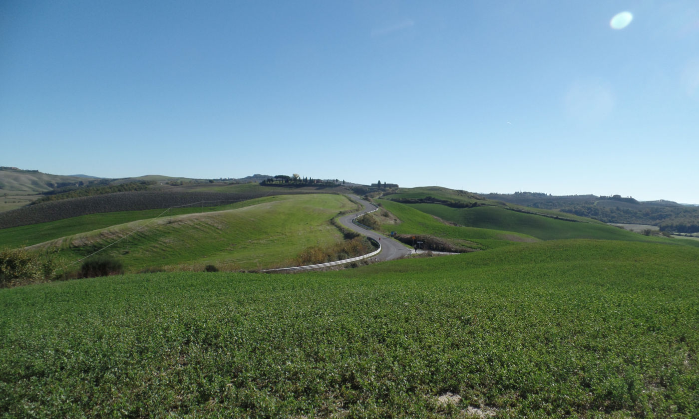 Toscana-tra-terme-e-borghi-in-caravan-o-camper-Strada-Crete-Senesi
