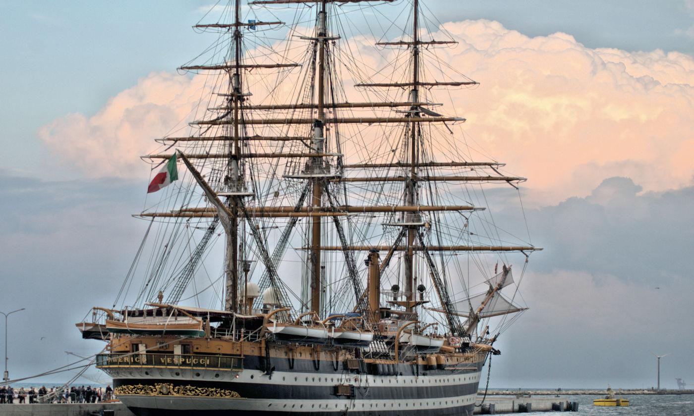 Visitare l'Amerigo Vespucci