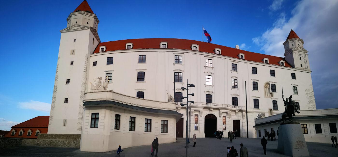 In camper e in auto lungo il Danubio Bratislava - Castello di Bratislava
