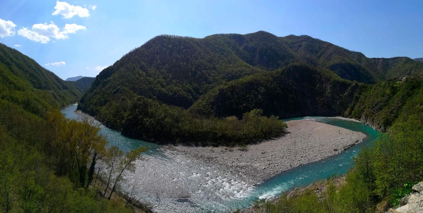 Scoprire gli appennini e i colli piacentini - Val Tirebbia fiume