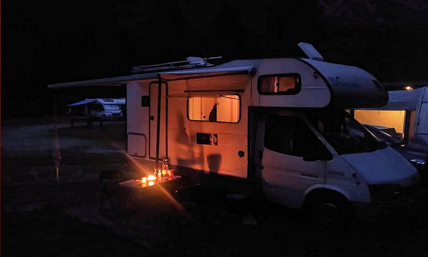Ricerchiamo le vacanze slow in camper e caravan - Copertina