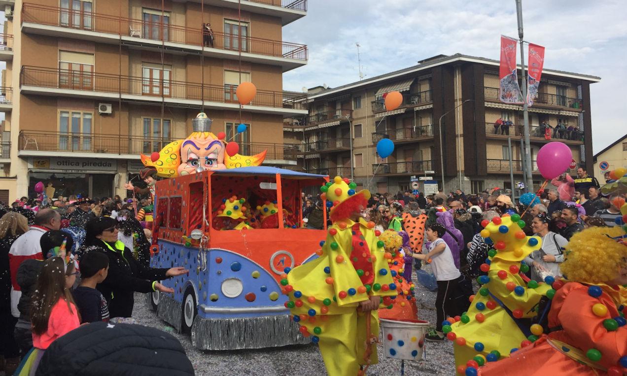Carnevale di Santhià in camper - Carro Santhià