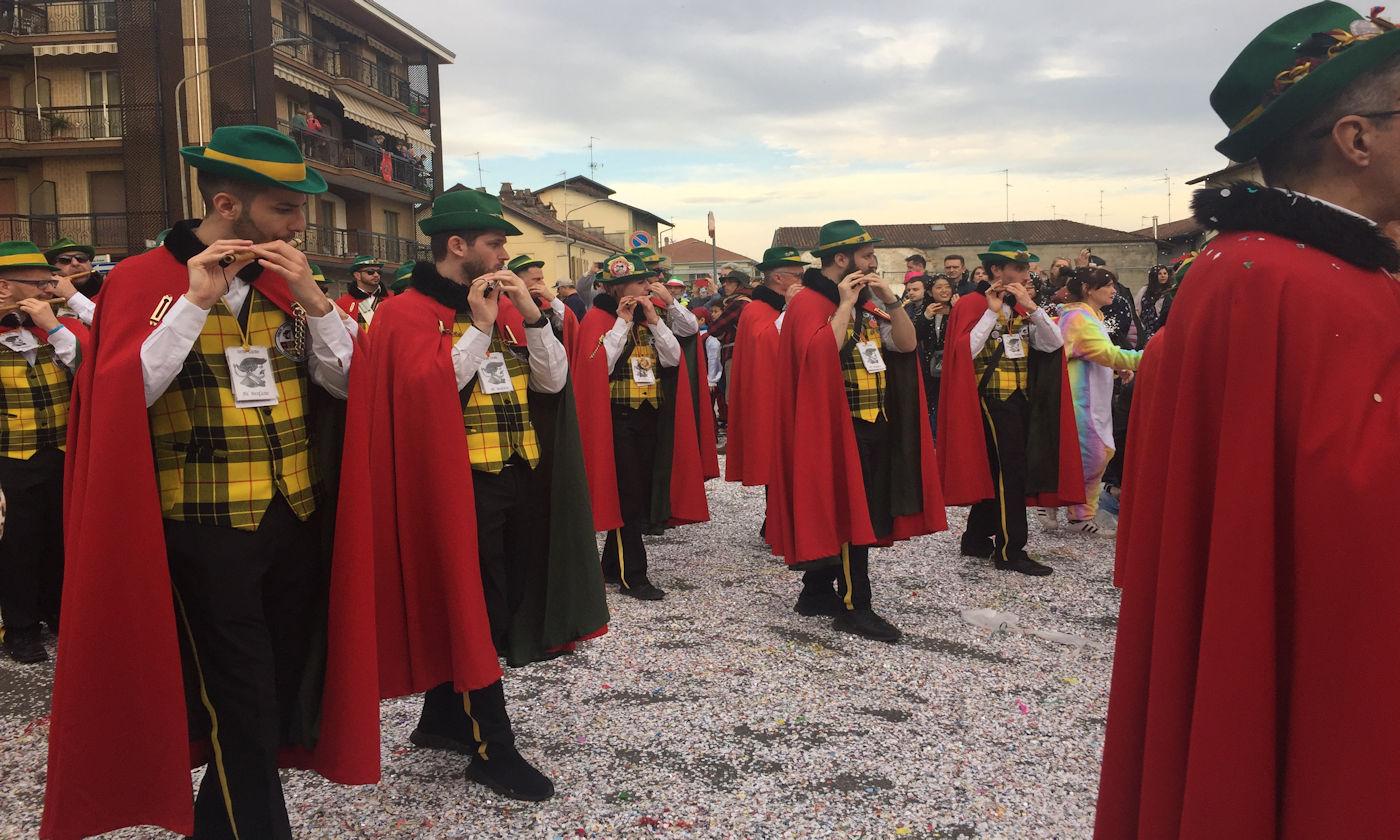 Carnevale di Santhià in camper - Compagnia dei pifferi e tamburi