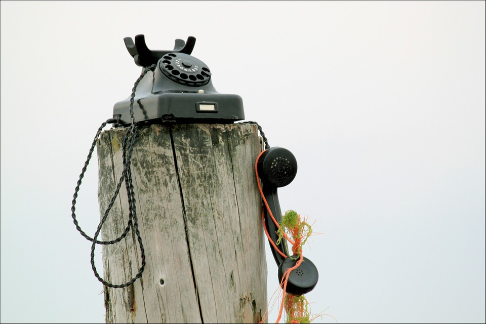 Cose da sapere prima di noleggiare o comprare un camper - Telefono nessuna connessione