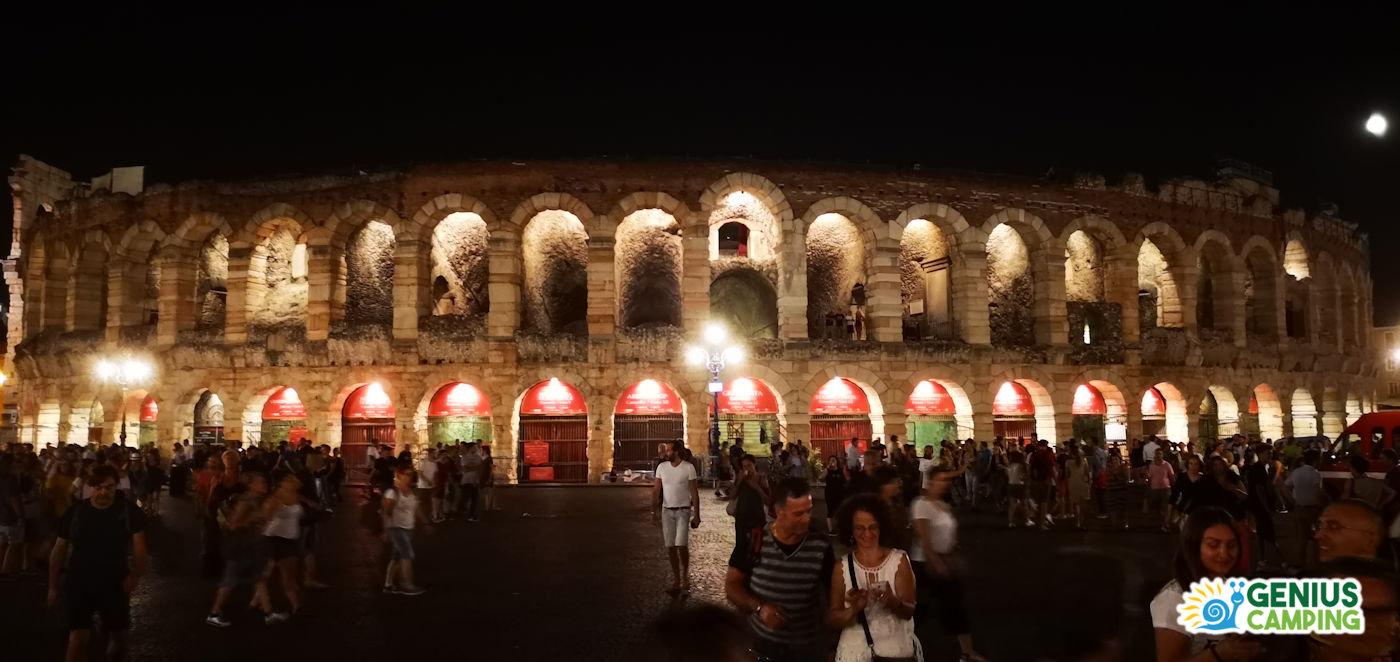 Verona in camper romanticamente weekend - Arena di Verona