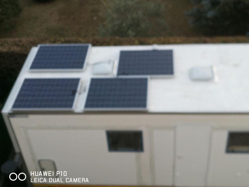 Trasformare un camion in un camper - Pannelli solari