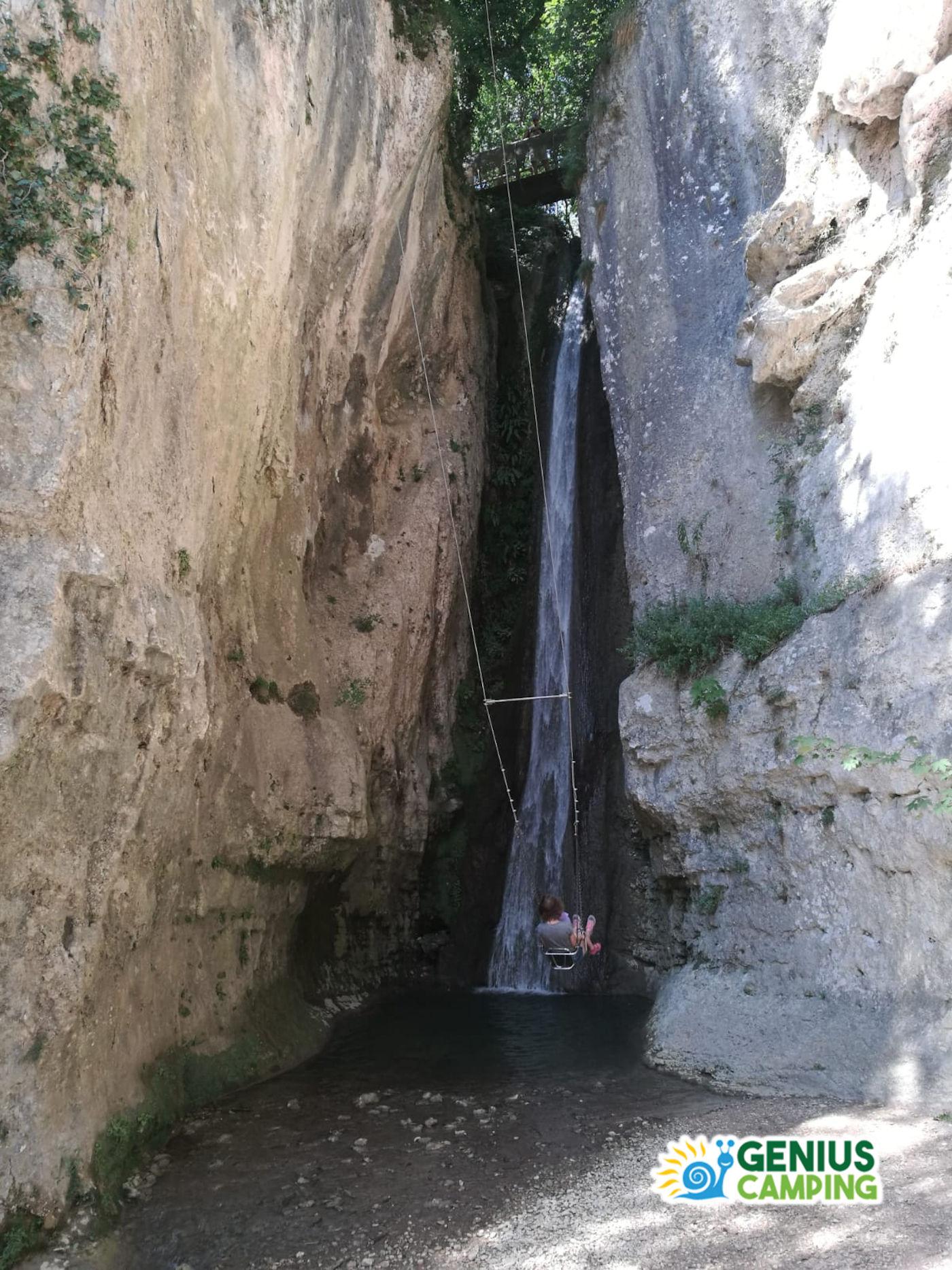 Parco delle cascate di Molina in Valpolicella - Altalena cascata nera