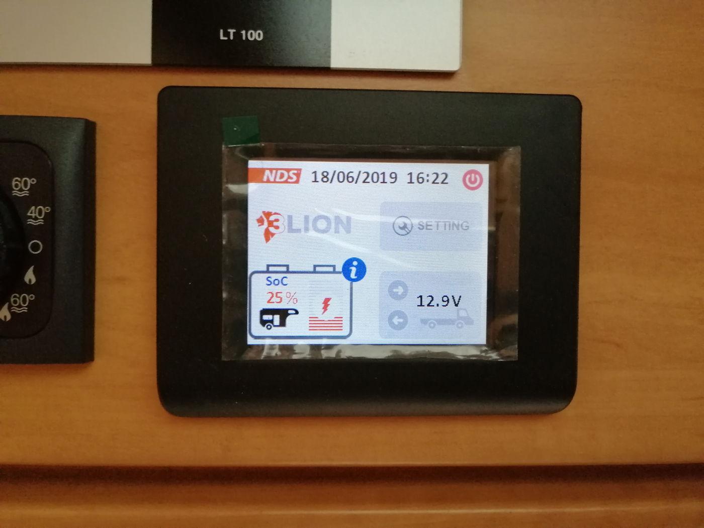 Batterie al litio per camper - monitor