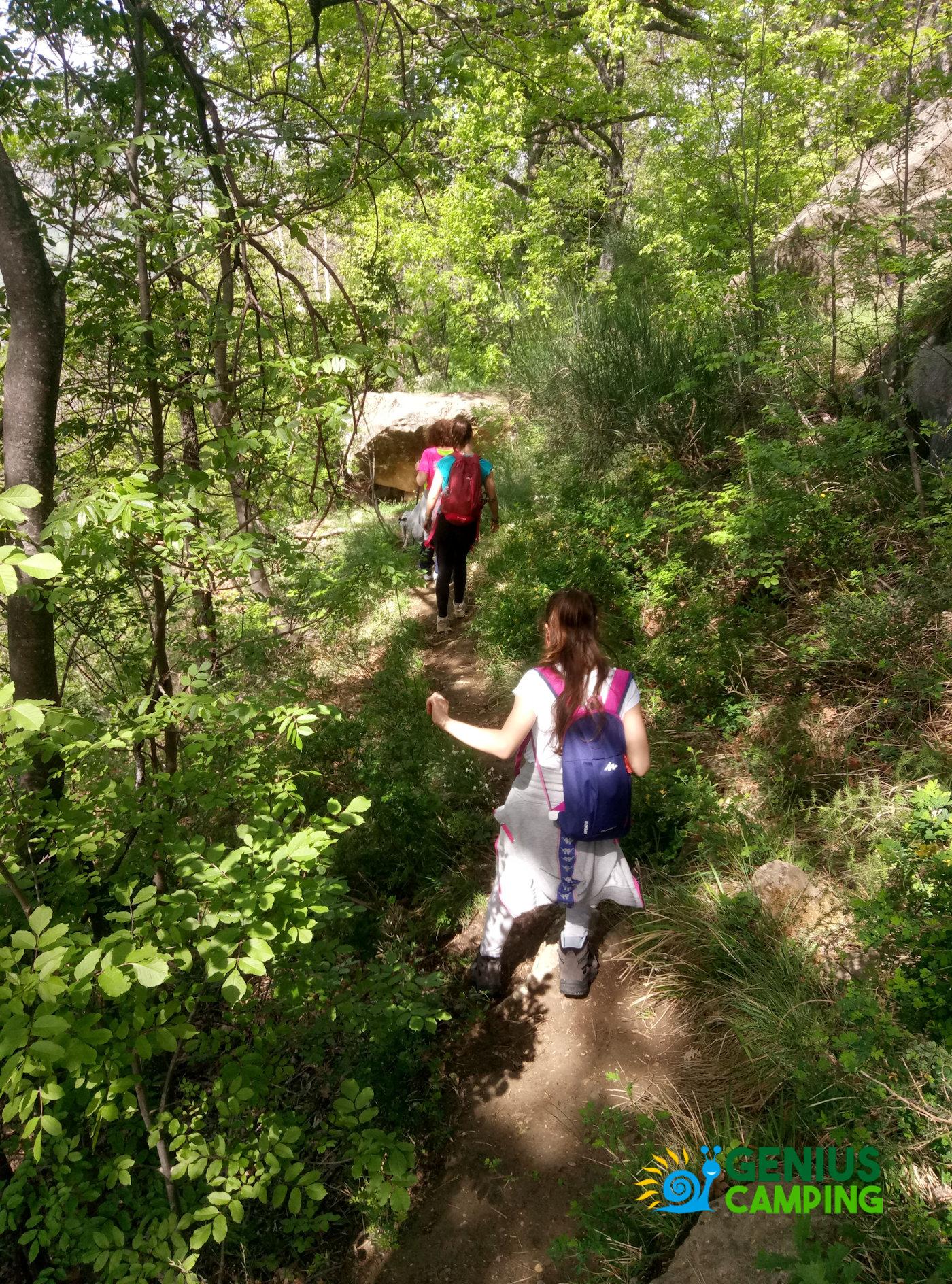 Valmarecchia e Montefeltro La rocca di Maioletto - Sentiero Maioletto salita