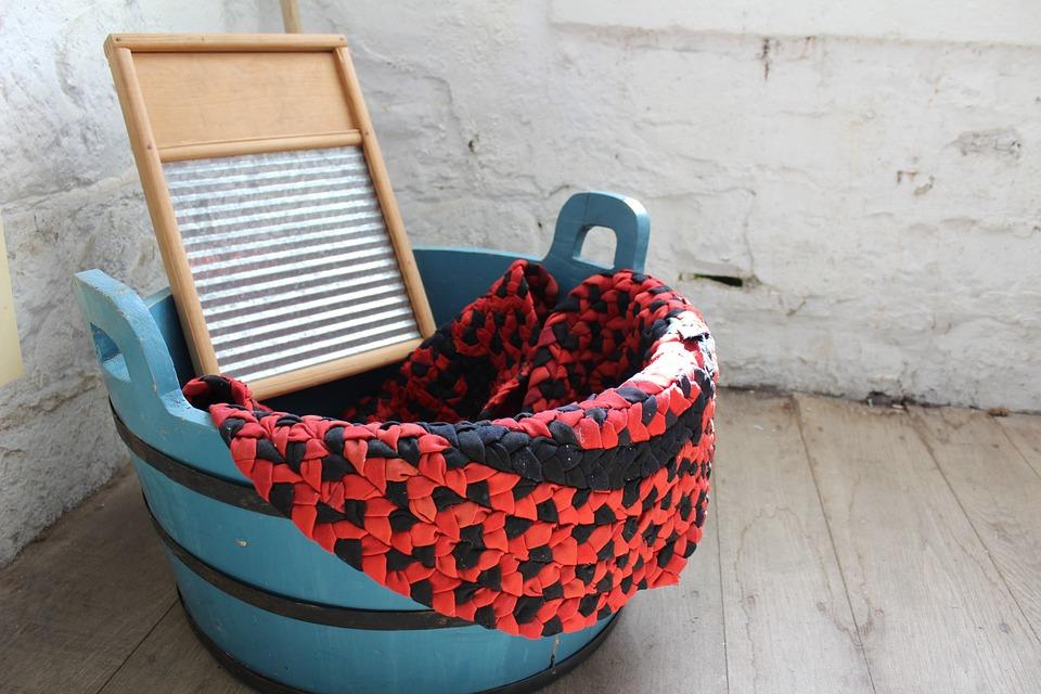 Come fare il bucato in camper - Asse per bucato